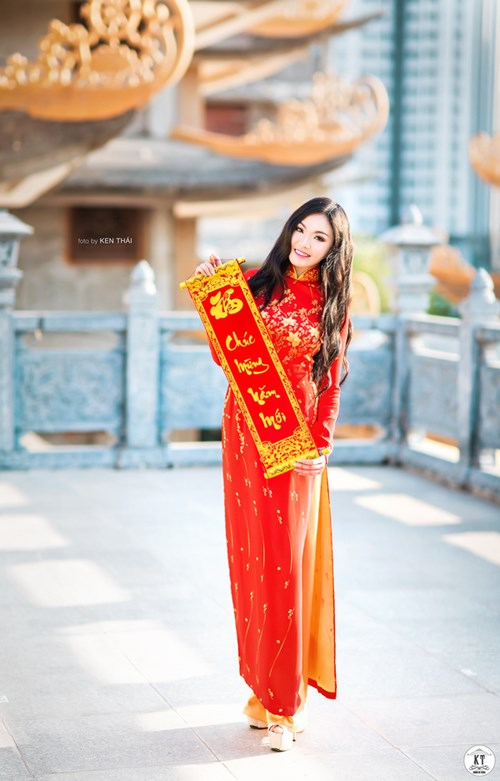 nu-du-hoc-sinh-viet-tai-uc-rang-ro-don-xuan-voi-ao-dai
