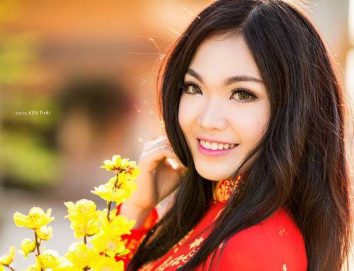 Nữ du học sinh Việt tại Úc rạng rỡ đón xuân với áo dài