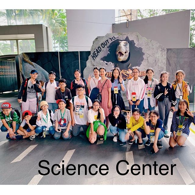 Học sinh của trường Coleman College Singapore đi tham quan Sicence Center