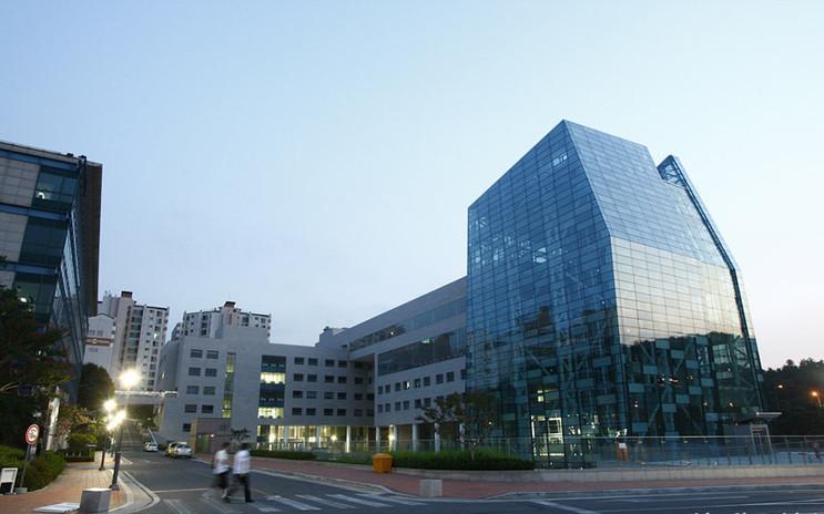 Tòa nhà trung tâm trường đại học Gachon Hàn Quốc